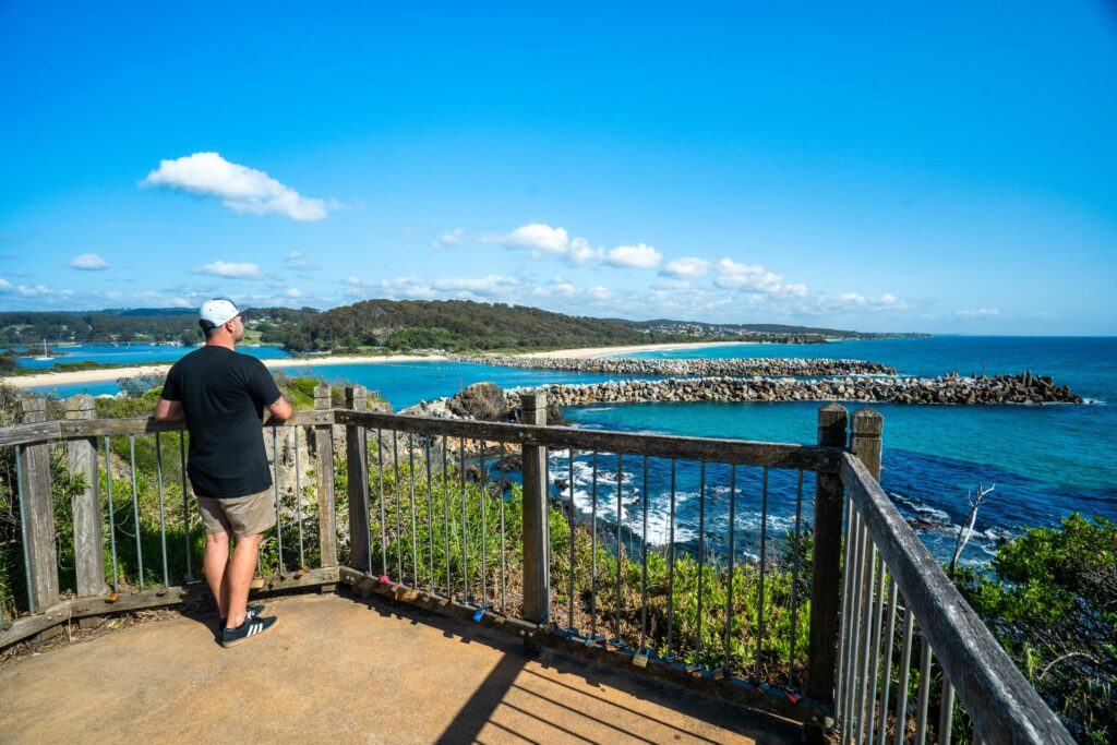 Bar Rock lookout Narooma, looking out to the break wall