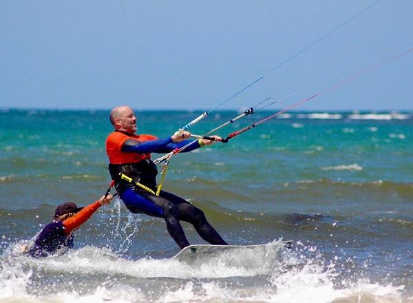 Man learning to kitesurf in Batemans Bay